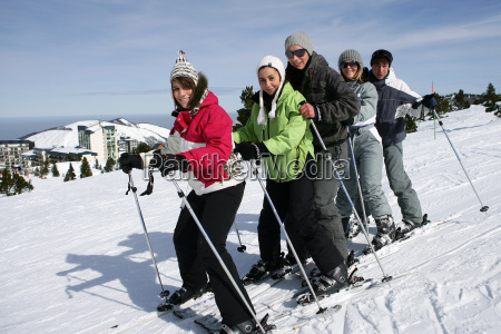 group, of, young, people, in, snow - 2904345