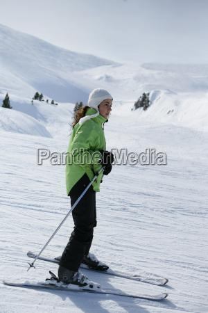 woman, profile, sport, sports, winter sports, character - 2912605