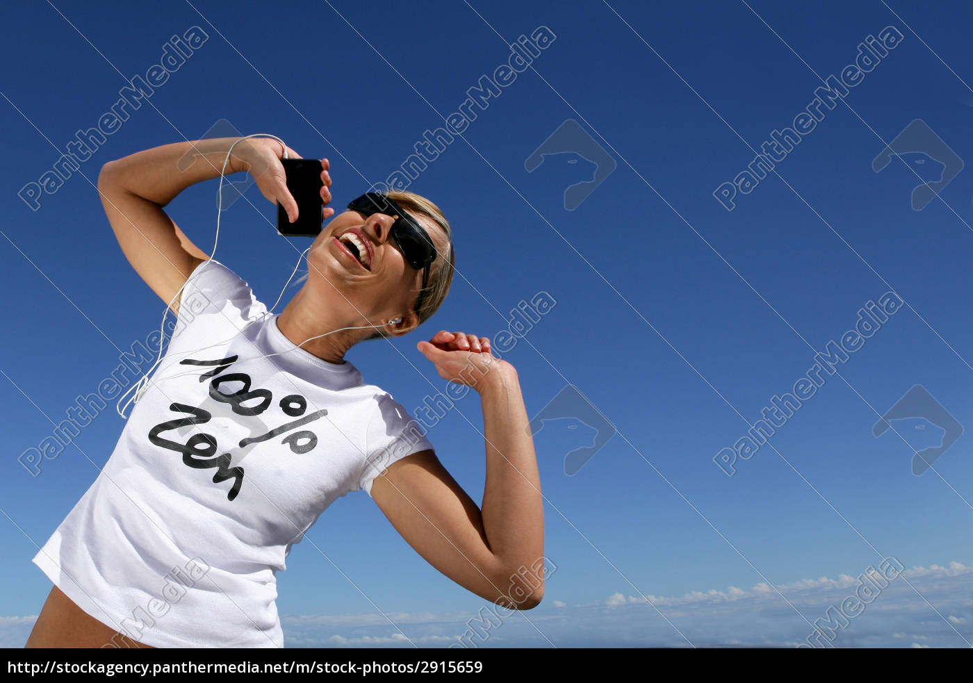 smiling, woman, with, mp3, player, and - 2915659
