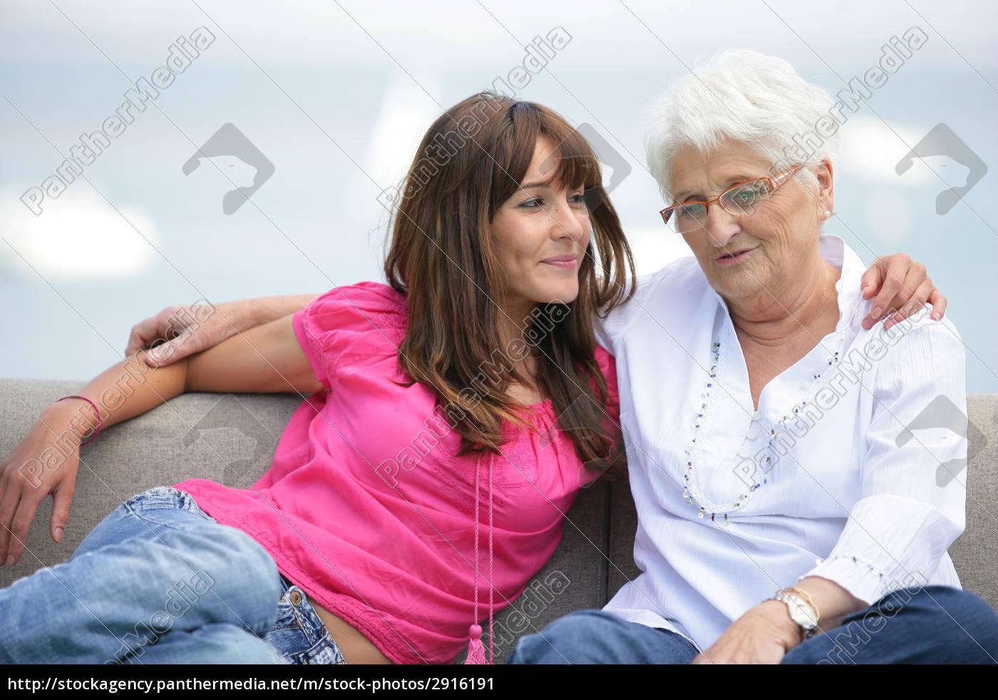 portrait, of, a, senior, woman, sitting - 2916191