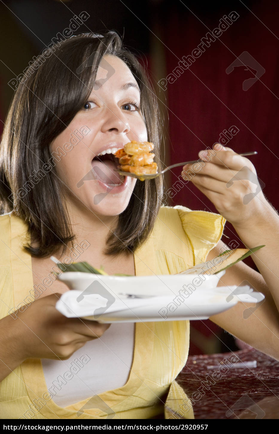 young, woman, eating - 2920957