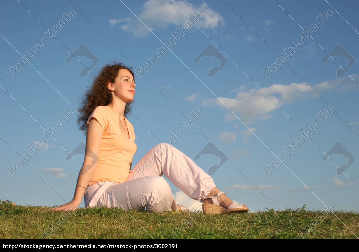 woman, on, grass - 3002191