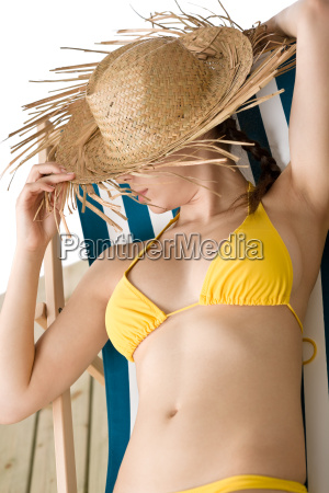 beach, -, woman, with, straw, hat - 3009013