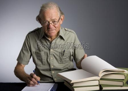mature, scholarly, man - 3021002