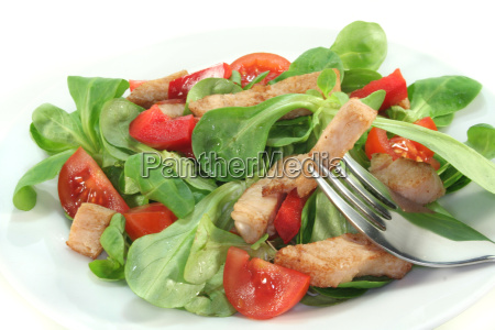 mixed salad with chicken strips