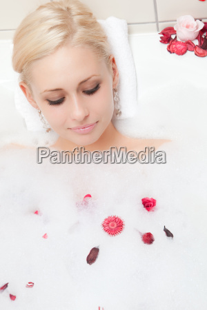 woman, bathing - 3034687