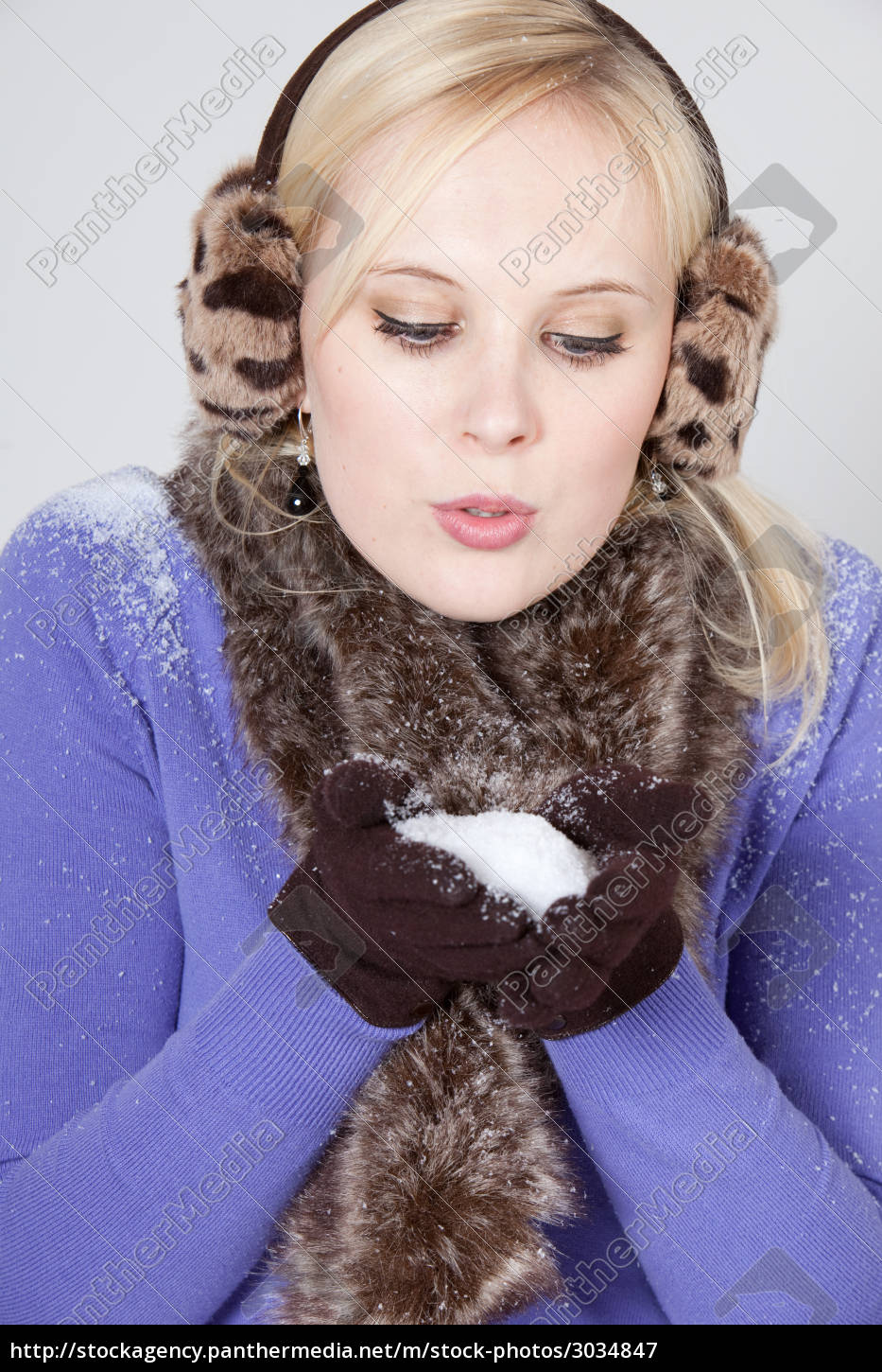woman, with, snow - 3034847