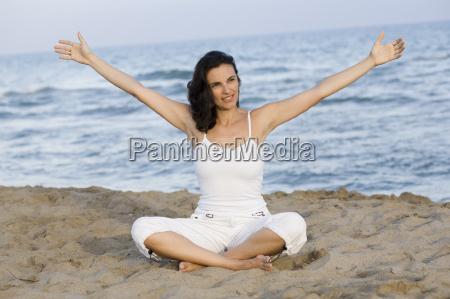 yoga, on, the, beach - 3036109