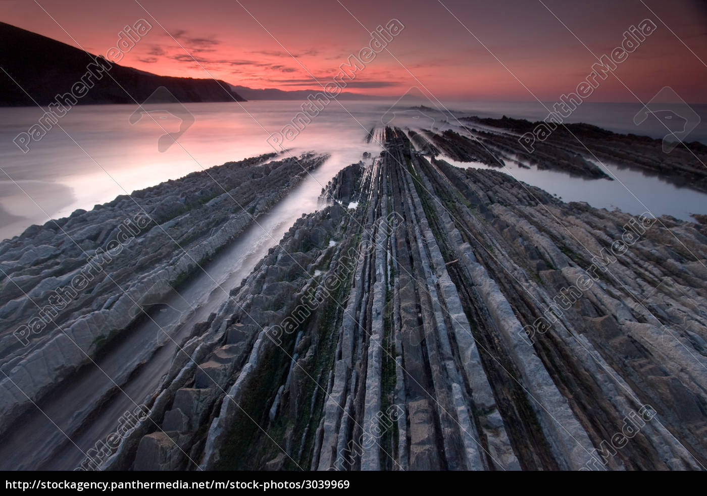 flysch, in, the, beach, of, zumaia, - 3039969
