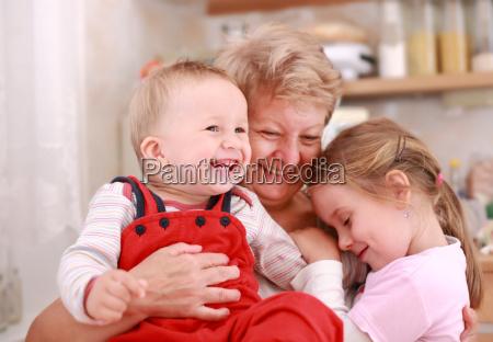 happy, children, with, granny - 3044901