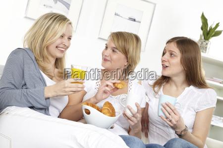 breakfast, three, girlfriends - 3062091