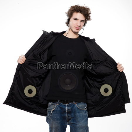 young, man, listening, to, music - 3069391