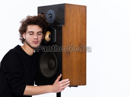 young, man, listening, to, music - 3069489