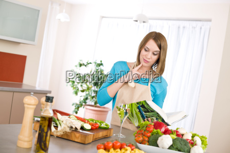 cooking, -, woman, reading, cookbook, in - 3110405