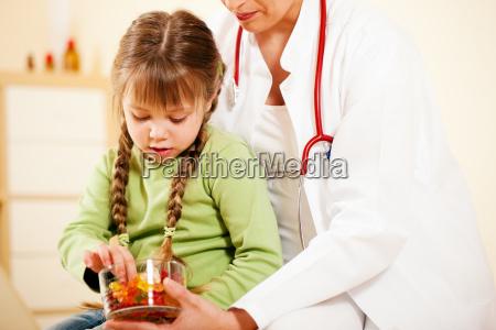 pediatrician, are, patient, gummibären - 3111473