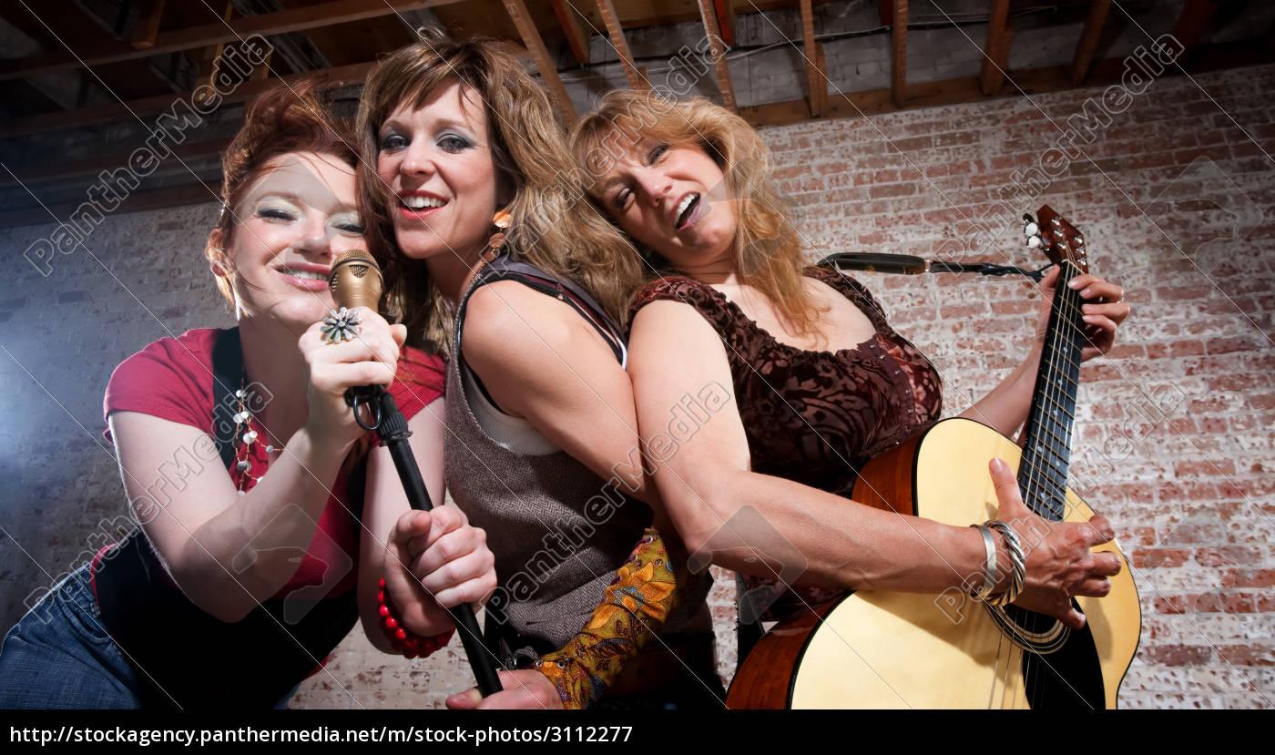female, musicians - 3112277