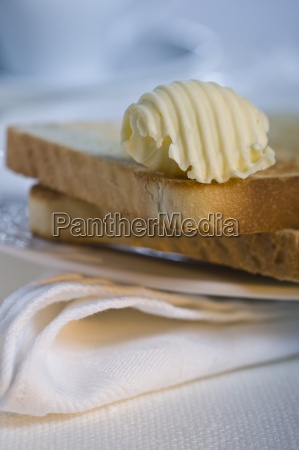 toast with butter roll