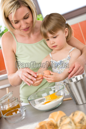 baking, -, woman, with, child, preparing - 3121921