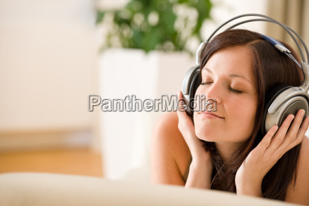 woman, with, headphones, listen, to, music - 3158777