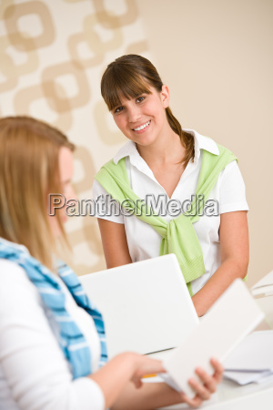 student, at, home, -, two, woman - 3169073