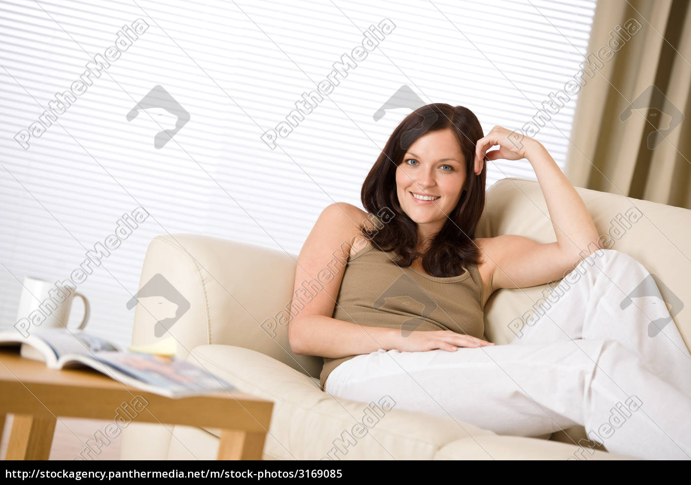 young, woman, with, magazine, and, coffee - 3169085