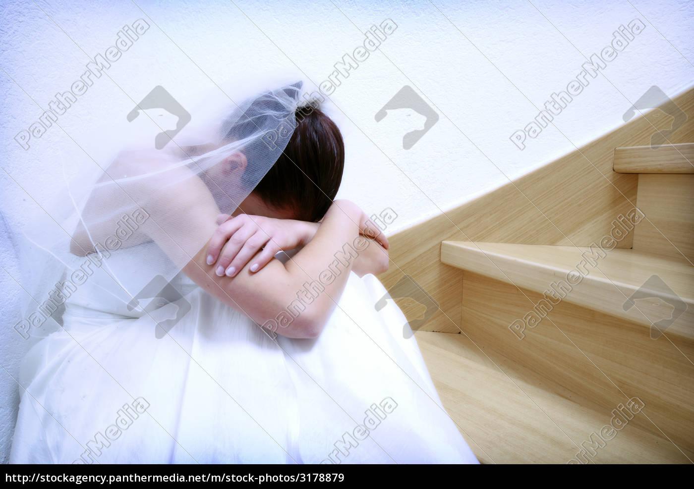 sad, bride - 3178879