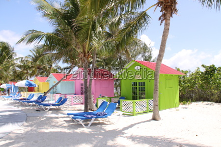 colorful, beach, huts, in, the, bahamas - 3191851