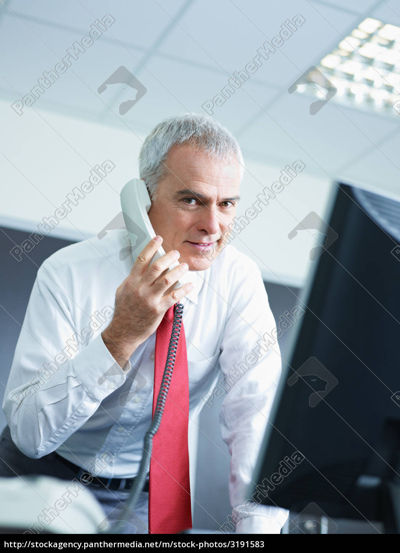 mature, businessman, in, office - 3191583