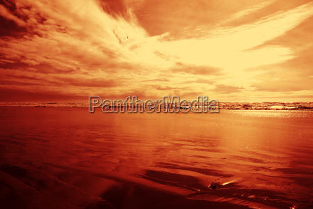 red, cloudy, sky, at, the, beach - 3192423