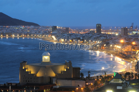 las palmas at night
