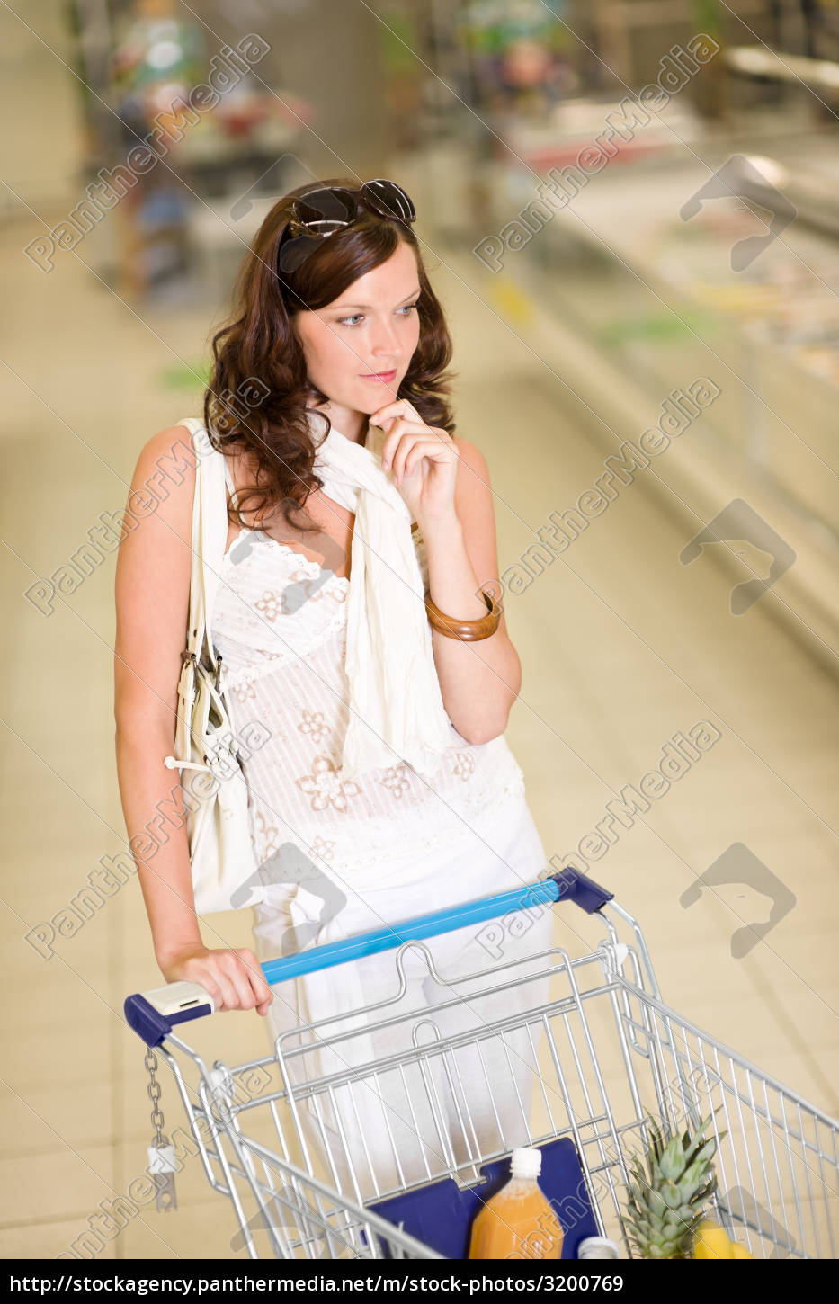 grocery, store, -, thoughtful, woman, shopping - 3200769