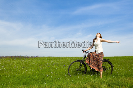 girl, with, a, bicycle - 3201063
