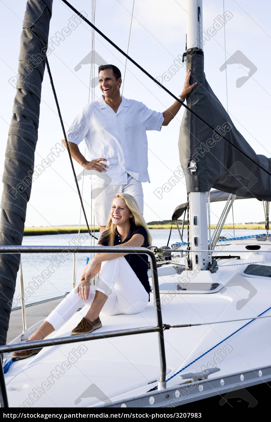 father, and, teenage, daughter, on, sailboat - 3207983
