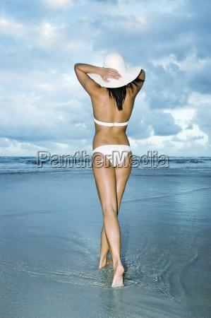 girl, in, white, bikini, walking, on - 3217817