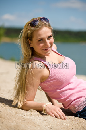 woman, laugh, laughs, laughing, twit, giggle - 3217393
