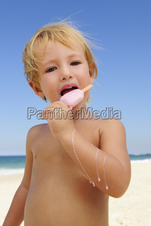 child, eating, ice, lolly, on, the - 3246177