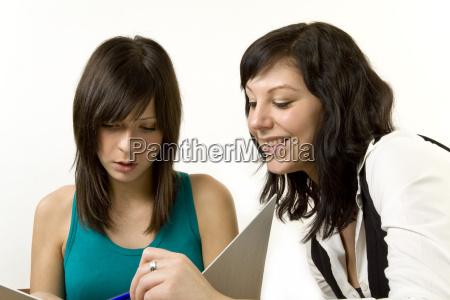 young, women, discuss, tasks - 3257753
