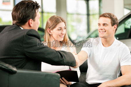 handshake for car purchase