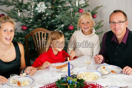 christmas, dinner, in, family - 3277681