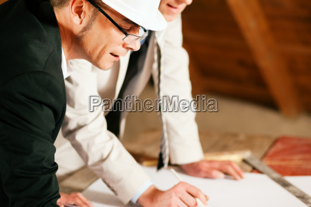 discuss architect and civil engineer