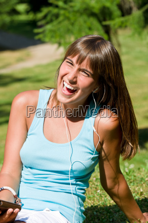 young, woman, listen, to, music, in - 3292907