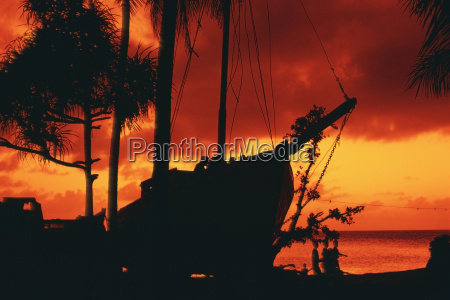 silhouette of a boat majuro marshall