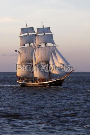 brigg morgenster vor cuxhaven