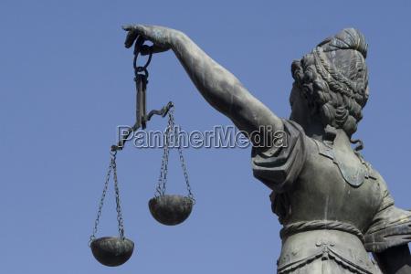 justizia fountain at frankfurt romans