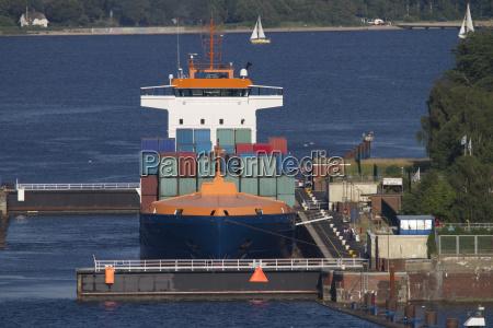 ships on the kiel canal at