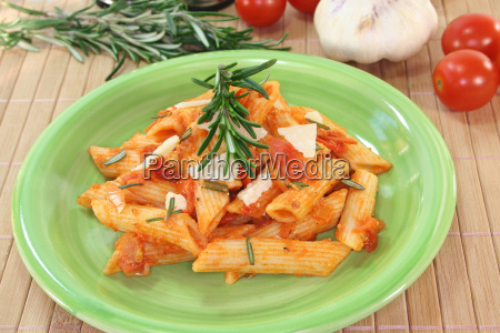 penne with tomatoes and parmesan