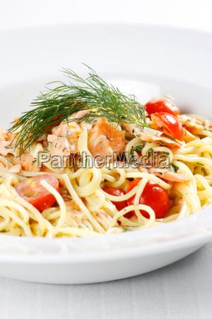 spaghetti with salmon