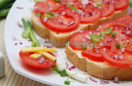 tomato on bread