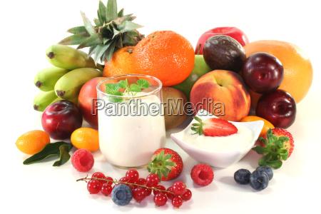 sweetly fruit berries sweet feeds dessert