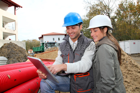 architect an site supervisor on construcion